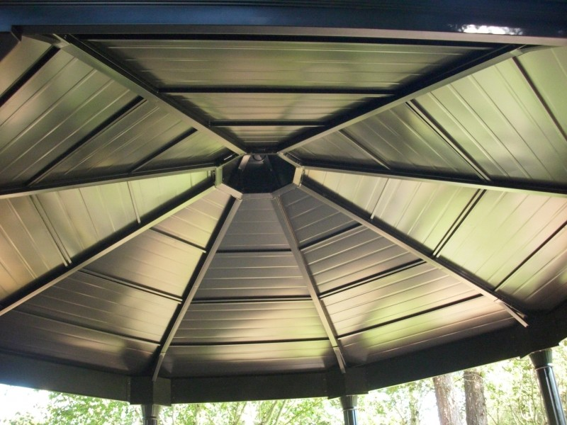 Metal gazebo roof
