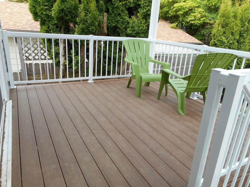Timbertech Terrain Brown Oak decking