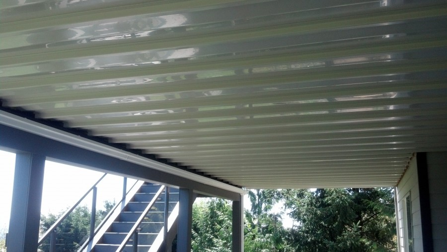 Timbertech Dryspace system with gutter