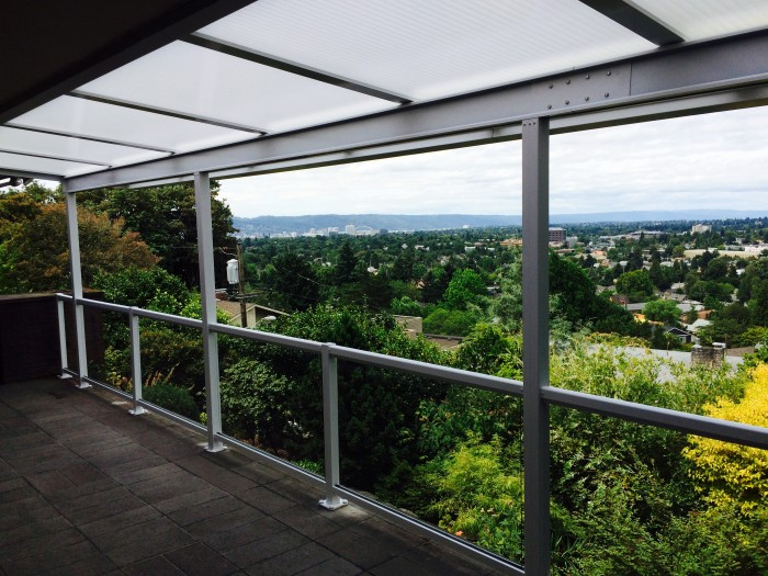 Acrylite patio cover and glass railing