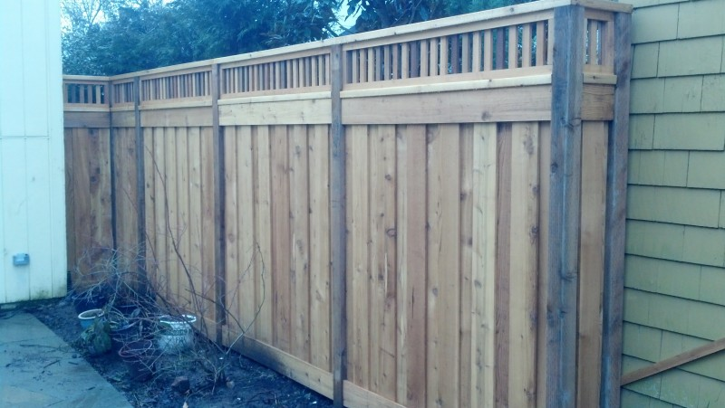 Dual sided true privacy lattice fence