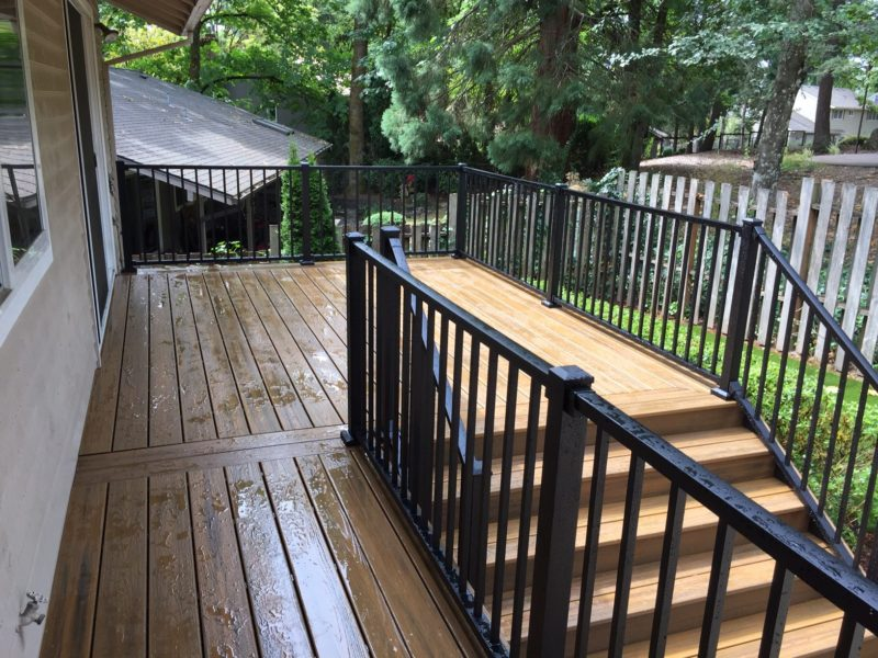 Trex Havana Gold deck with aluminum railing