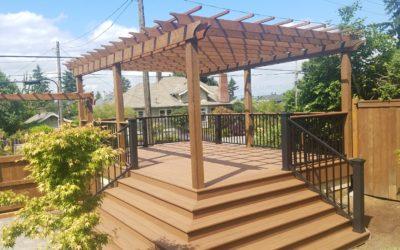 Azek Vintage mahogany deck with pergola