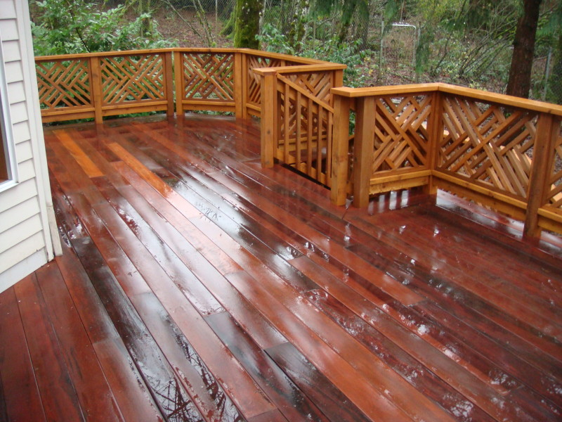 Kekatong deck with Chippendale railing