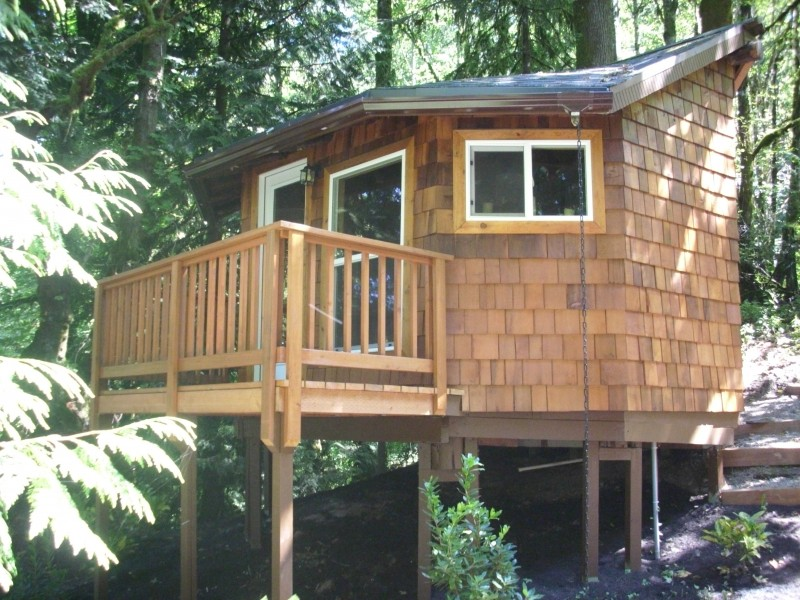 Cedar Siding For A Guest House Deck Masters Llc