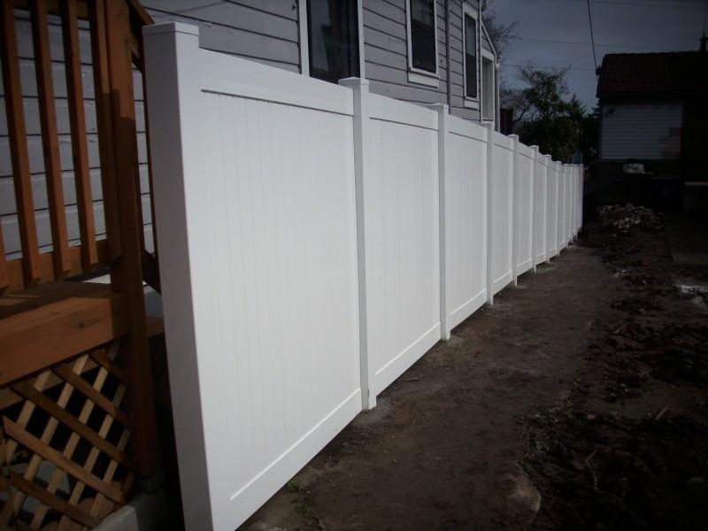 Portland vinyl fence instaallation