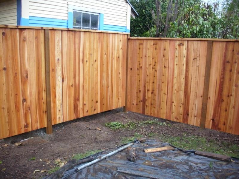 Cedar Fence With A Cedar 2 215 4 Cap Deck Masters Llc