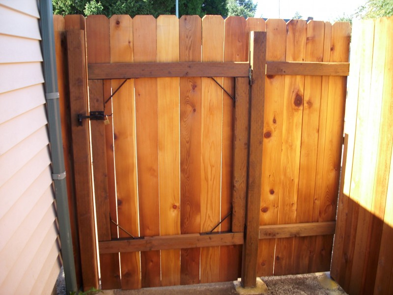 Dog Ear Fence With Sikken S Cedar Stain Deck Masters Llc